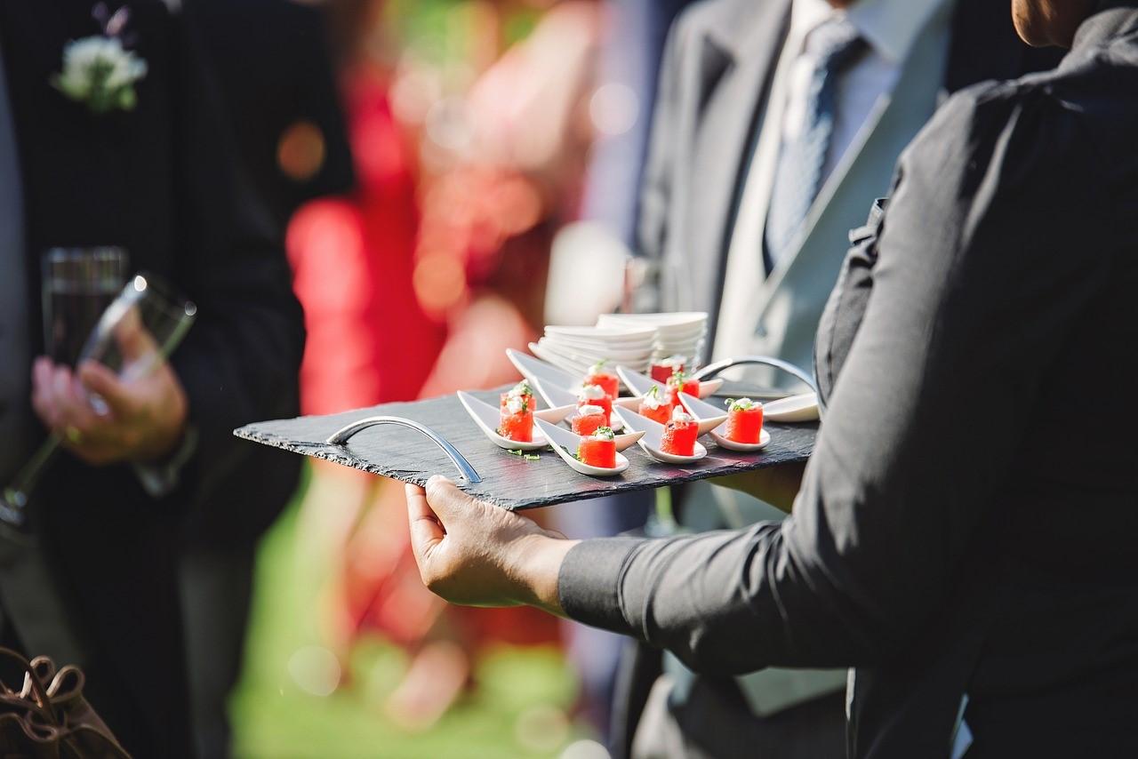 Pourquoi faire appel à un traiteur de luxe pour son événement ?