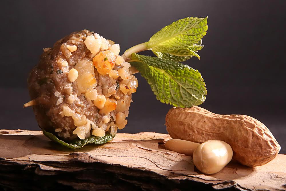 Kefta d'agneau à la menthe fraiche et cacahuète